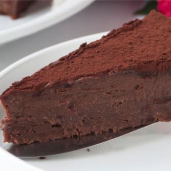 Τούρτα νηστίσιμη με σοκολάτα και ταχίνι